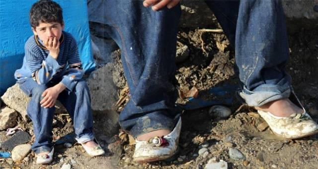 Kız ayakkabısı giyen Suriyeli çocuğun dramı