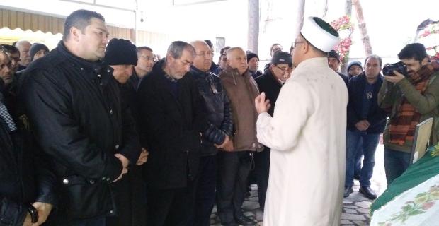 Ukrayna'da öldürülen Zeynep İzmir'de defnedildi
