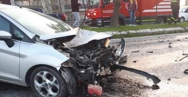 Köpeği görünce direksiyonu kırdı, minibüsle çarpıştı: 1 ölü, 1 yaralı