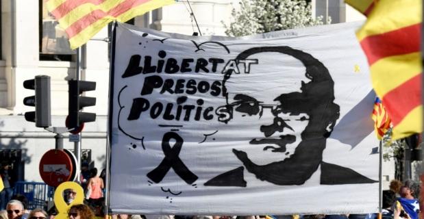 Ayrılıkçı Katalanlar Madrid'de sokağa çıktı