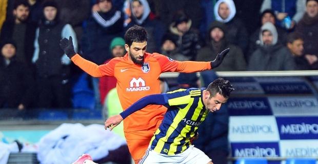 Başakşehir evinde Fenerbahçe'ye karşı üstün