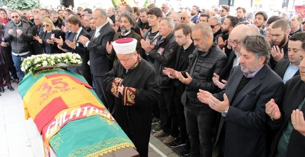 Demet Akbağ'ın eşi Zafer Çika, gözyaşları ile uğurlandı