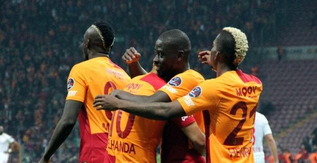 Galatasaray Antalyaspor'a kükredi geçti: 5-0