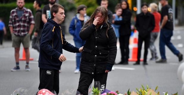 Yeni Zelanda katliam kurbanlarını anıyor