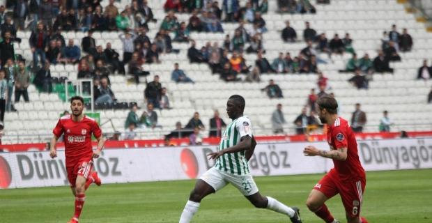Atiker Konyaspor ile Demir Grup Sivasspor 1-1 berabere kaldı
