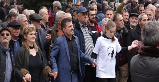 İmamoğlu'nun memleketi Trabzon'da horonlu kutlama