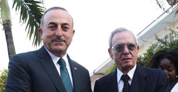 Çavuşoğlu'ndan Kübalı tarihçiye ödül