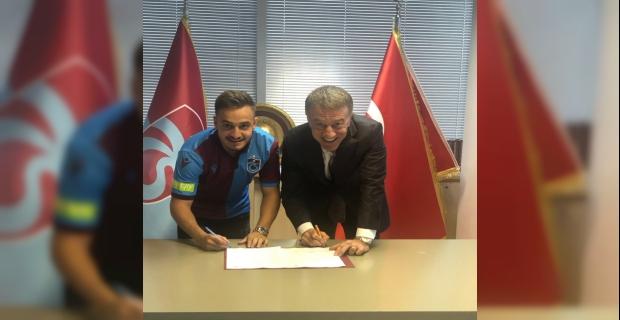 Trabzonspor, Yusuf Sarı ile 3 yıllık sözleşme imzaladı