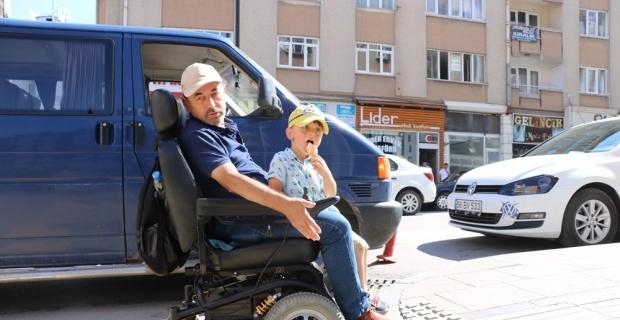 Hatalı engelli rampası engelli vatandaşın çilesi oldu