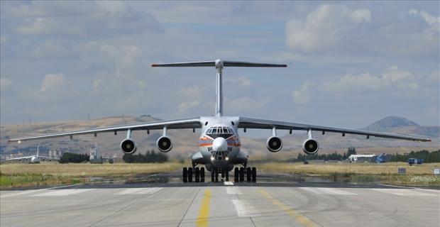 S-400 hava savunma sistemlerinin ikinci sevkıyatındaki ilk uçak indi
