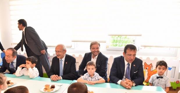 Kılıçdaroğlu Maltepe'de çocuklarla deney yaptı