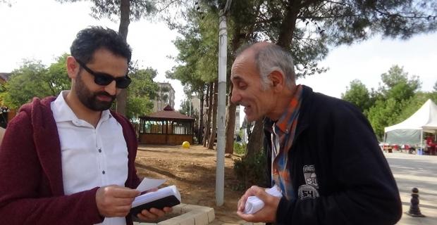 Oğlunun youtube kanalını tanıtmak için Türkiye'yi geziyor