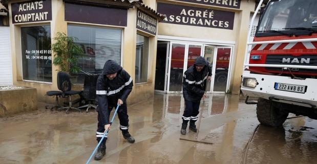 Avrupa'da fırtına ve sel: 6 ölü