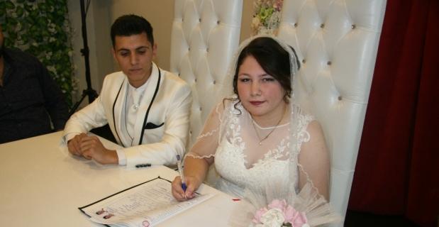 Denizli'de 'imece' usulü düğün