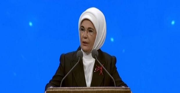 """Emine Erdoğan: """"Erkekler kadınları mülk edinemezler"""""""