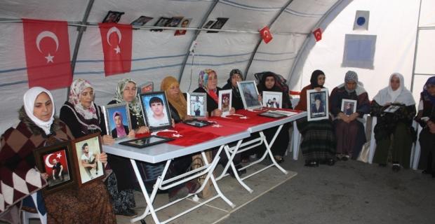 HDP önündeki ailelerin evlat nöbeti 83'üncü gününde