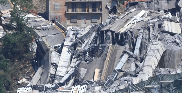 İtalya'da köprülerin çökmesi altyapı sorunlarını gündeme getirdi