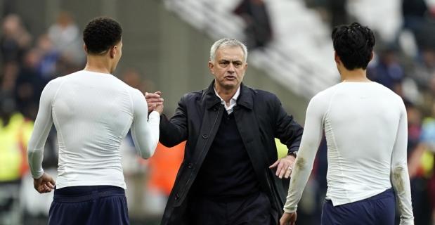 Mourinho galibiyetle başladı