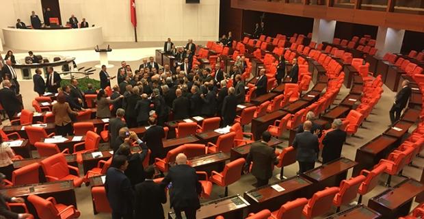 Türkiye Libya arasında imzalanan Güvenlik ve Askeri İşbirliği mutabakat muhtırası kabul edildi