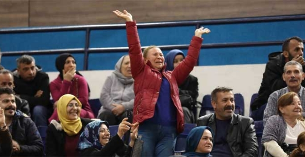 TOKİ'nin 100 Bin Yeni Sosyal Konut Projesi'nin ilk kura töreni İzmir Karabağlar'da yapıldı