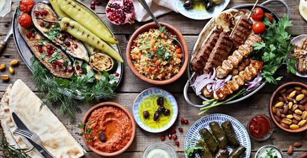 Ramazan'da ne yiyip ne içmeliyiz? Uzmanından önemli açıklamalar…