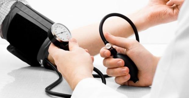 """Kardiyoloji Uzmanı Dr. Ersin Özen: """"Hipertansiyon hastaları karantina döneminde kilo almamalı"""""""