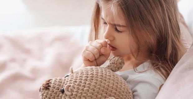 Anne babalar dikkat!  Yazın boğmaca mı olur demeyin! Aşılar ergenlikte de tekrarlanmalı