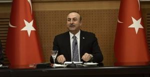 """Bakan Çavuşoğlu uyardı: """"Şımarık çocuğunuza sahip çıkın"""""""
