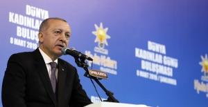 """Cumhurbaşkanı Erdoğan: """"Aile yapımızı sarsmaya yönelik saldırılar altındayız"""""""
