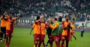 Galatasaray, Başakşehir'in puan kaybetmesini affetmedi