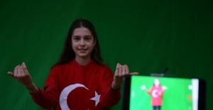 Green Screen teknolojisi sayesinde öğrenciler eğlenerek öğreniyor