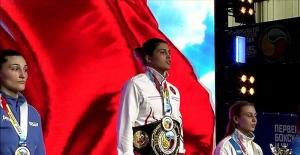 Milli boksör Busenaz...