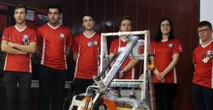 Mars'taki insansız aracın benzerini yapan liseliler ödül aldı