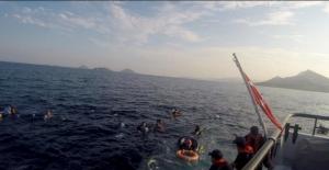 Batan teknede 12 kişinin cesedine ulaşıldı