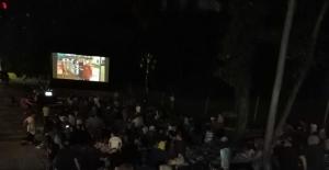 Millet bahçesinde 'açık hava sineması' dönemi