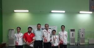 Badmintoncularımız şampiyon.
