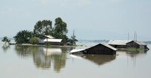 Hindistan'daki selde ölü sayısı 150'yi aştı
