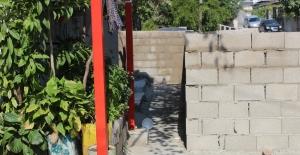 'Tapulu malım' dedi, sokağa duvar ördü