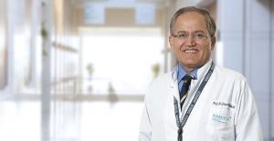"""Prof. Dr. Yaşar Kütükçü: """"Diyabet ve hipotiroidi yüz felcine neden olabilir"""""""