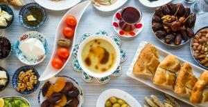 Ramazan'da iftar ve sahurda eksik etmemeniz gereken 5 besin!