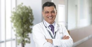 """Prof. Dr. Semih Akı: """"Evde 10-15 dakikada bir pozisyon değiştirilmeli"""""""