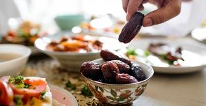 Sahuru kahvaltı gibi düşünün, hafif besinler tüketin
