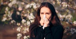 Bu uyarılara dikkat! Alerjik rinit büyük şehirlerde yaşayanları vuruyor