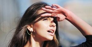 Yazın gözlerimizi tehdit eden 8 hatalı alışkanlık! Güneşten gelen 6 tehlikeye dikkat!