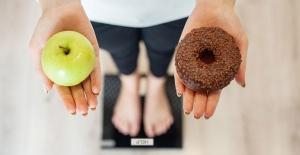 Kadınların 6 adımda regl döneminde tatlı krizini önleme