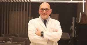 """Prof. Dr. Turgay Çelikel: """"Akciğerlerinizi kanserden koruyun rahat bir nefes alın"""""""