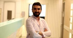 """Psikolog Serkan Elçi: """"Deprem görüntülerine dikkat! Travmayı canlandırabiliyor"""""""
