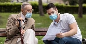 """Doç Dr. Cüneyt Saltürk: """"KOAH hastalarının maske kullanırken dikkat etmesi gerekenler"""""""