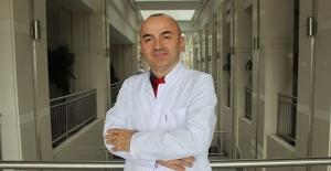 """Op. Dr. Yusuf Avni Yılmaz: """"10 ile 20'li yaşlarda sık göz numara değişimine dikkat"""""""