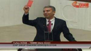 CHP'den anaya değişiklik teklifine kırmızı kartlı protesto